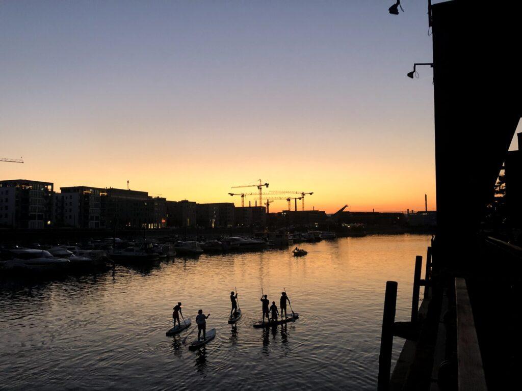 Feier im Hafen